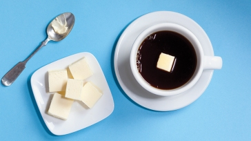 imagen recuperada de: http://www.macleans.ca/culture/a-bulletproof-coffee-with-extra-butter/